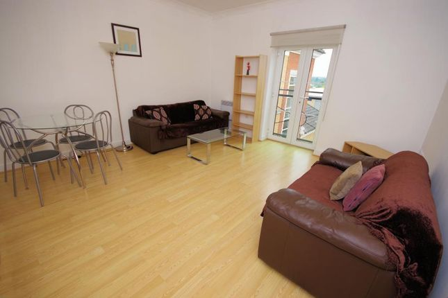 1 bed flat for sale in High Road, North Finchley, (Borders / N2) N12