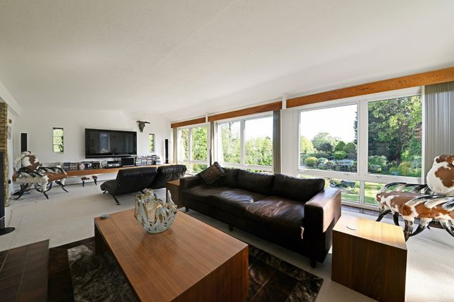 Thumbnail Detached house for sale in Walnut Grove, Enfield