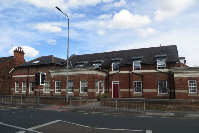 2 bed flat for sale in Chanterlands Avenue, Hull, East Yorkshire
