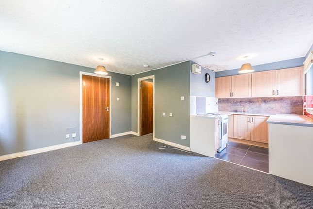 Lounge/Bedroom of Thirlestane Place, Dundee DD4