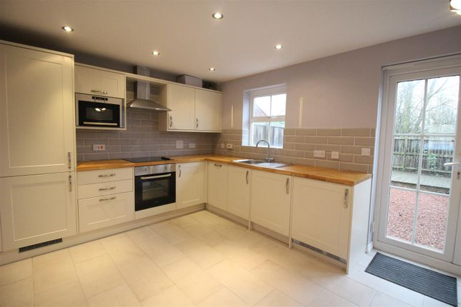 Thumbnail Town house to rent in Merrybent Drive, Merrybent, Darlington
