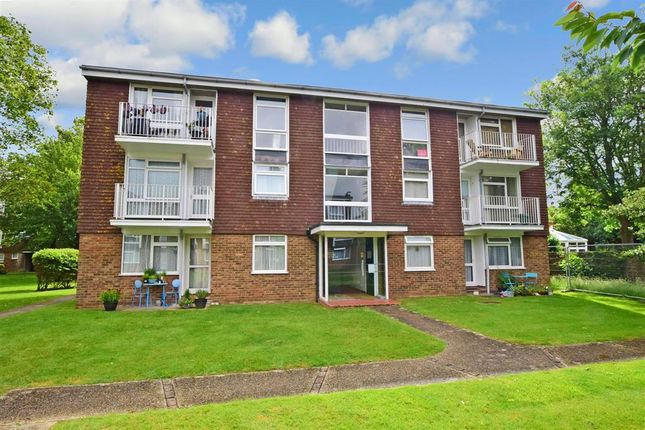 Flat for sale in Dorchester Gardens, Worthing, West Sussex
