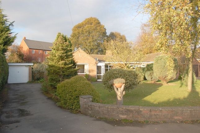 Thumbnail Detached bungalow for sale in Crawford Close, Bidford-On-Avon, Alcester