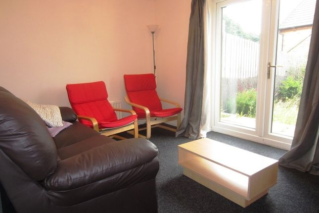 Thumbnail Town house to rent in Greenlea Court, Huddersfield