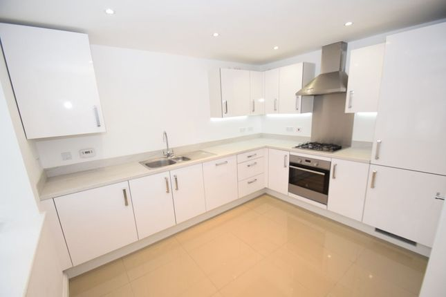 Thumbnail Semi-detached house to rent in Kennedy Avenue, High Wycombe