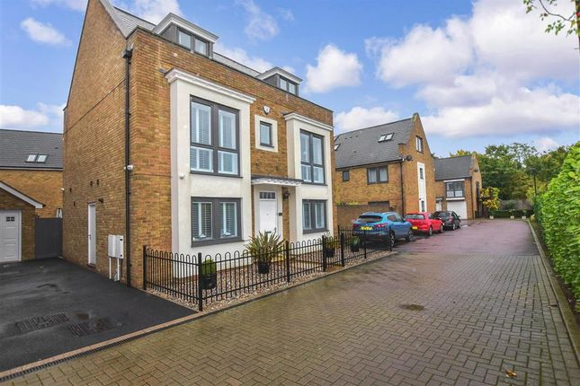 Thumbnail Detached house for sale in The Fort, Rochester, Kent