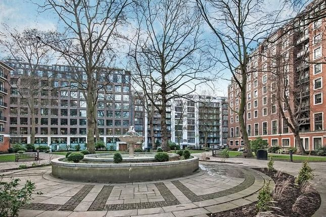 3 bed flat for sale in Page Street, London