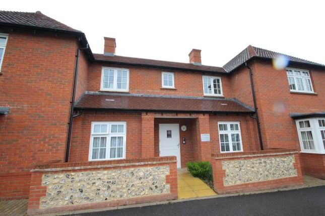 Thumbnail Flat to rent in Pilgrims Place, Winchester