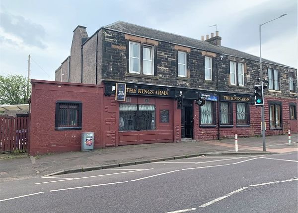 Thumbnail Pub/bar for sale in Auchterderran Road, Lochgelly, Fife