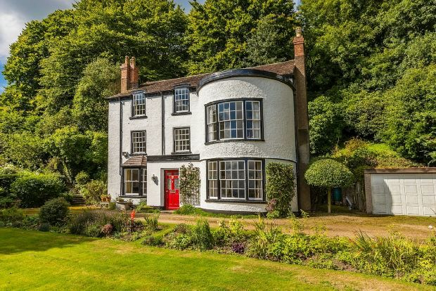 Thumbnail Detached house for sale in Wells Road, Malvern