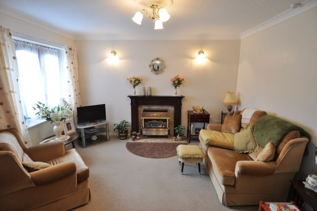 Thumbnail Bungalow to rent in Stonehouse Close, Redditch