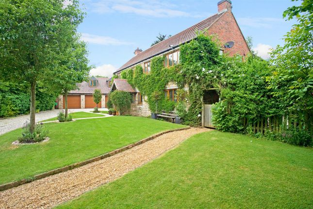 4 bed detached house for sale in Mill Street, Harbury, Warwickshire