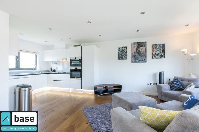 2 bed flat for sale in Damien Street, Stepney Green, London