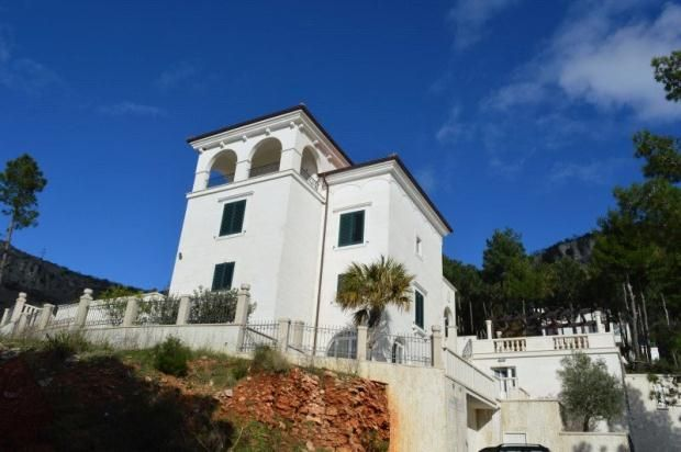 5 bed property for sale in Sveti Stefan, Near Budva, Montenegro