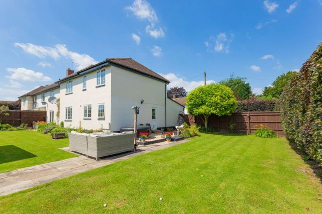 Thumbnail Property for sale in Macdonald Close, Didcot