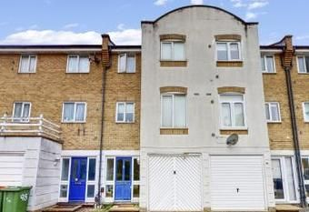 Thumbnail Town house to rent in Grimsby Grove, Galleons Lock, Docklands, Royal Victoria Gardens, London