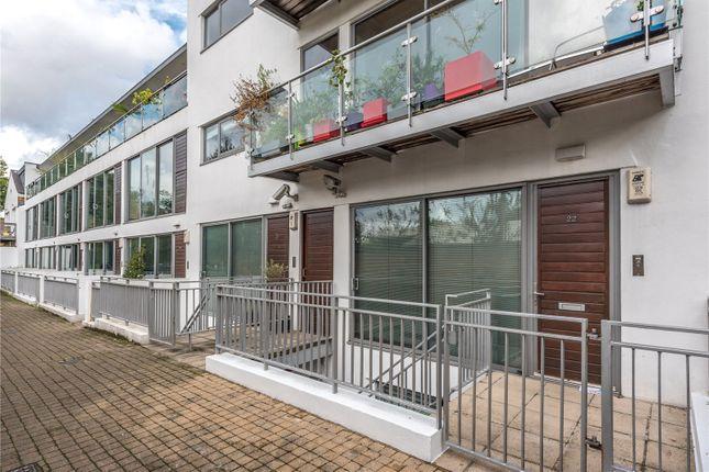 Thumbnail Terraced house to rent in Paradise Passage, Islington, London