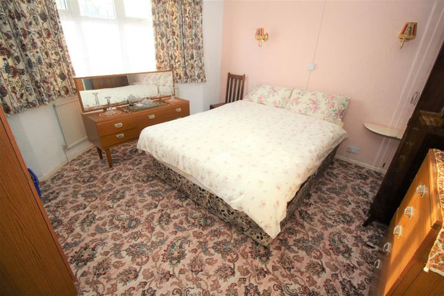 Bed 2 of Park Road, Bramcote, Nottingham NG9