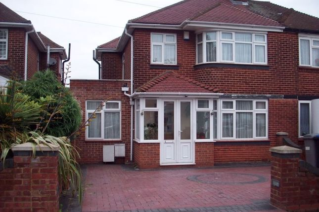 Thumbnail Semi-detached house to rent in Beverley Drive, Edgware, Middlesex, UK