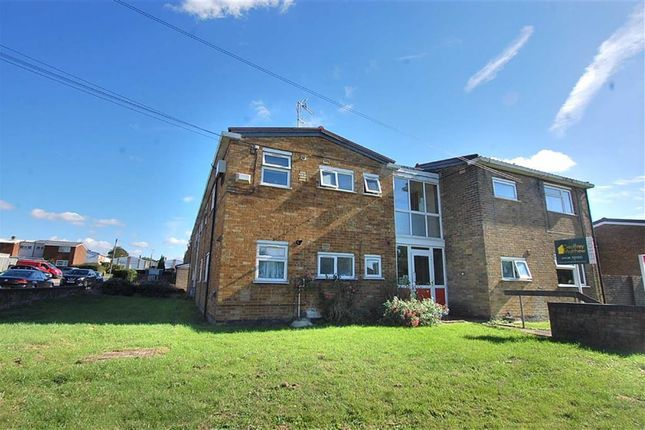 Thumbnail Flat to rent in Angle Ways, Stevenage, Herts