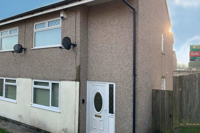 2 bed flat to rent in Bryn Owain, Caerphilly CF83