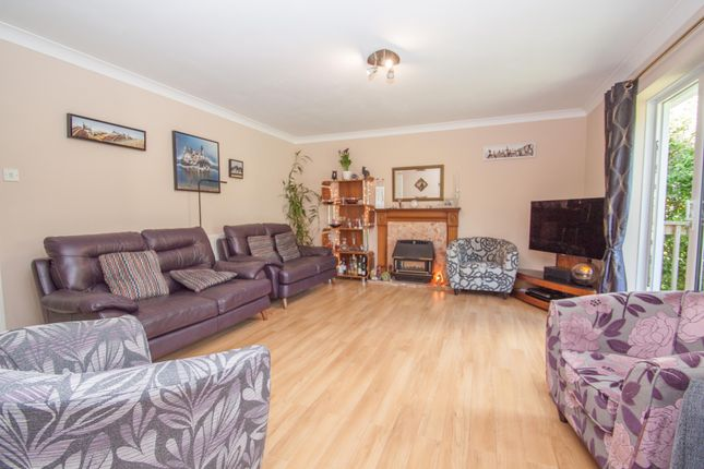 Living Room of Cheshire Drive, Plymouth PL6