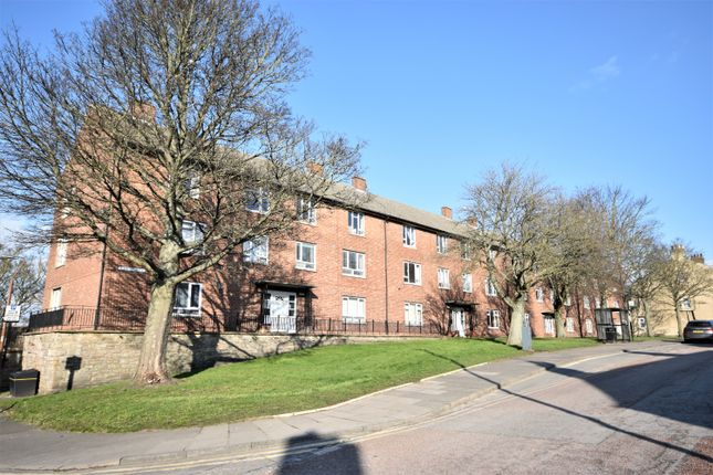 Flat to rent in The Chains, Durham