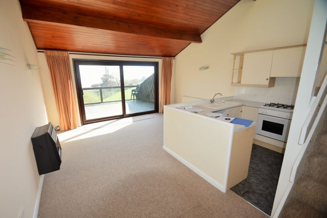 Thumbnail Lodge to rent in Sladnor Park, Maidencombe