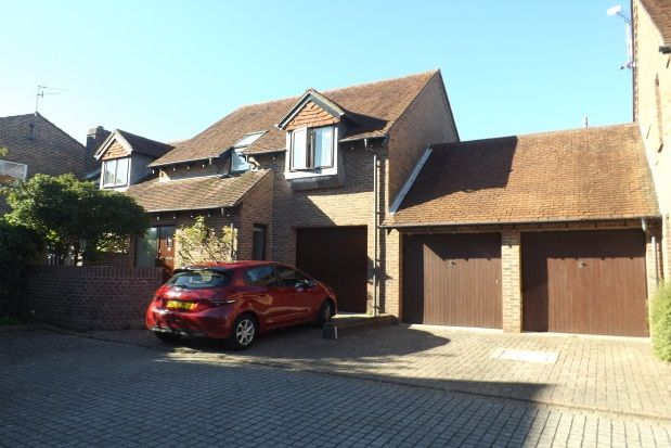 Thumbnail Property to rent in Dukes Yard, Steyning