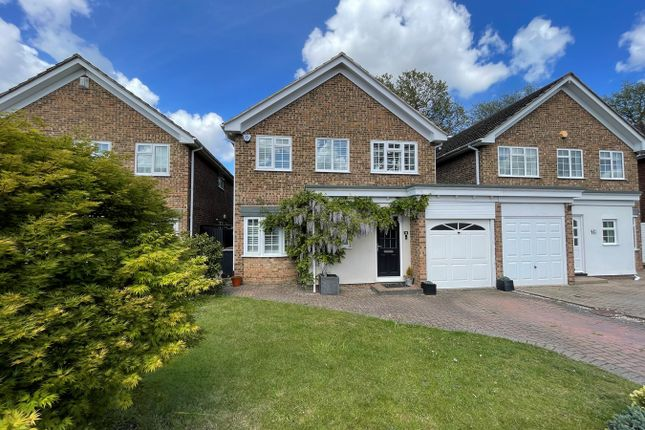 4 bed link-detached house for sale in Berger Close, Petts Wood, Orpington BR5