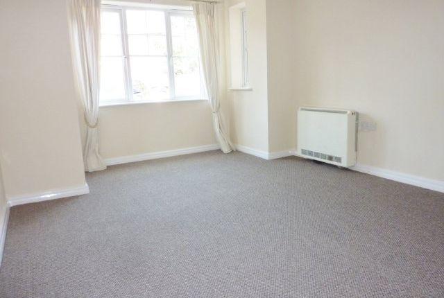Thumbnail Flat to rent in Leyland Lane, Leyland