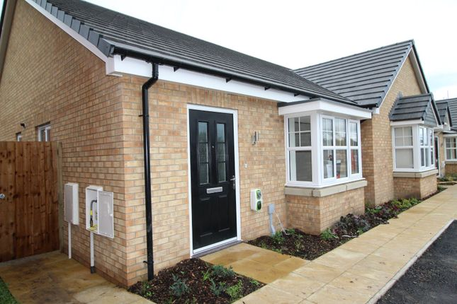 2 bed bungalow to rent in Vines Cross Way, Dalton, Skelmersdale WN8