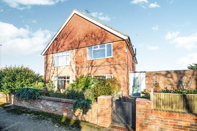 Thumbnail Flat for sale in Alinora Avenue, Goring-By-Sea, Worthing