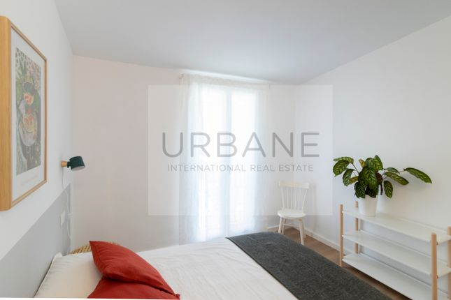 Bedroom 2 of 27322, For Sale 2 Bed Refurbished Apartment In Barcelona, Spain
