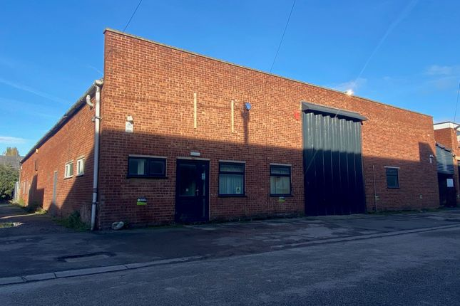 Thumbnail Warehouse to let in Park Road, Calverton