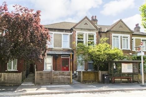 Thumbnail Flat to rent in South Croxted Road, London