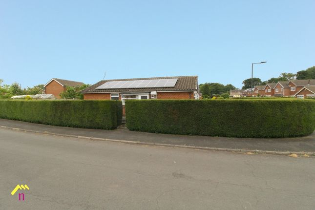 3 bed bungalow to rent in Bellerby Road, Skellow, Doncaster DN6