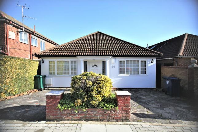 Thumbnail Bungalow to rent in Sevington Road, Hendon