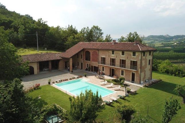 Thumbnail Villa for sale in Strada Bersana, Piedmont, Italy