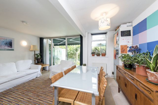 Thumbnail Terraced house for sale in Meadow Road, Vauxhall/Oval