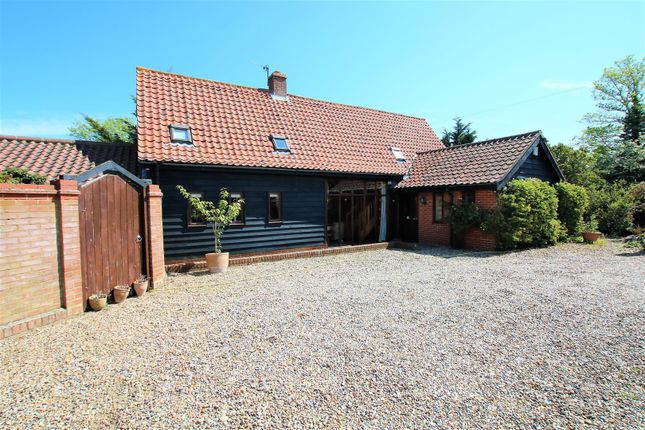 4 bed barn conversion for sale in Norwich Road, Long Stratton, Norwich NR15