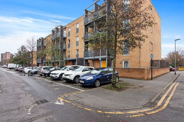 1 bed flat for sale in Walton Road, Manor Park, London E12