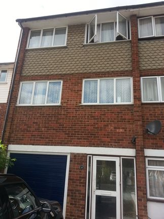 4 bed terraced house to rent in Charlotte Gardens, Romford
