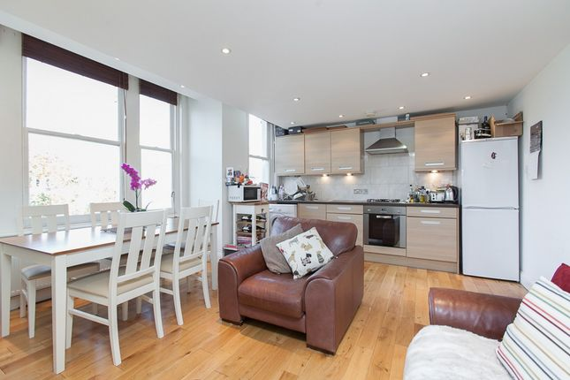 Thumbnail Flat to rent in Helix Road, Brixton, London