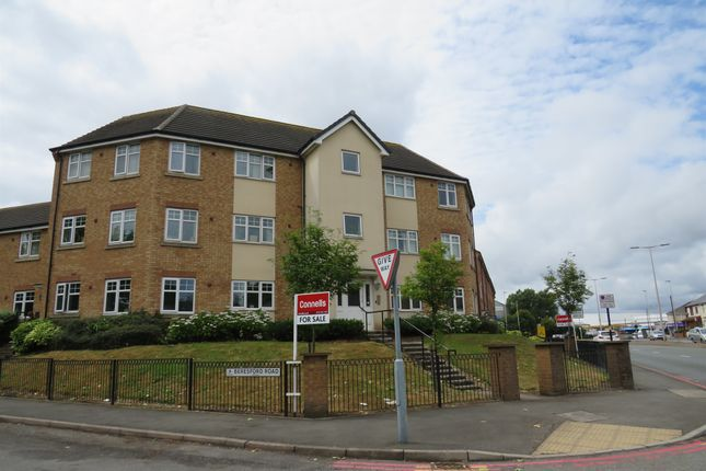 Thumbnail Flat for sale in Birmingham Road, Oldbury