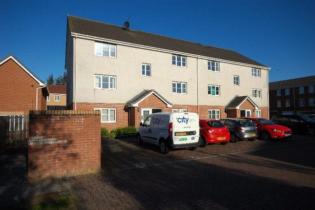 Thumbnail Flat to rent in Auchenkist Place, Kilwinning, North Ayrshire