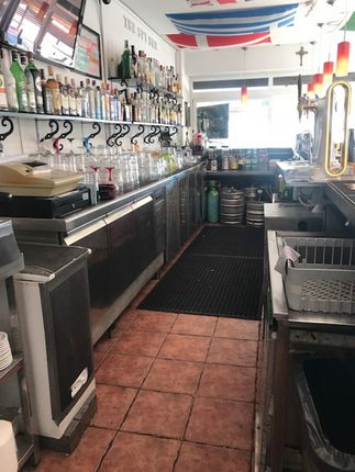 Thumbnail Pub/bar for sale in Seafront, Fuengirola, Málaga, Andalusia, Spain