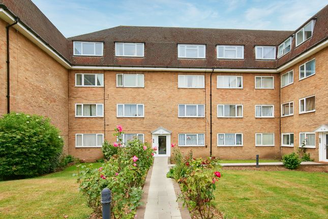 Thumbnail Flat for sale in Linden Grove, New Malden