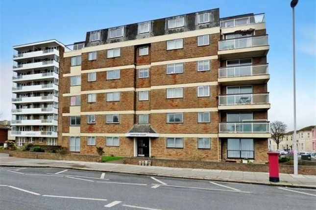 3 bedroom flat to rent in Brighton Road, Worthing