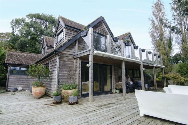 Clinton Way, Fairlight, Hastings, East Sussex TN35